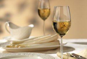 asperges en wijn